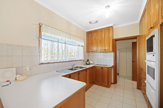 Picture of 2/11 Arnup Crescent, DROUIN VIC 3818
