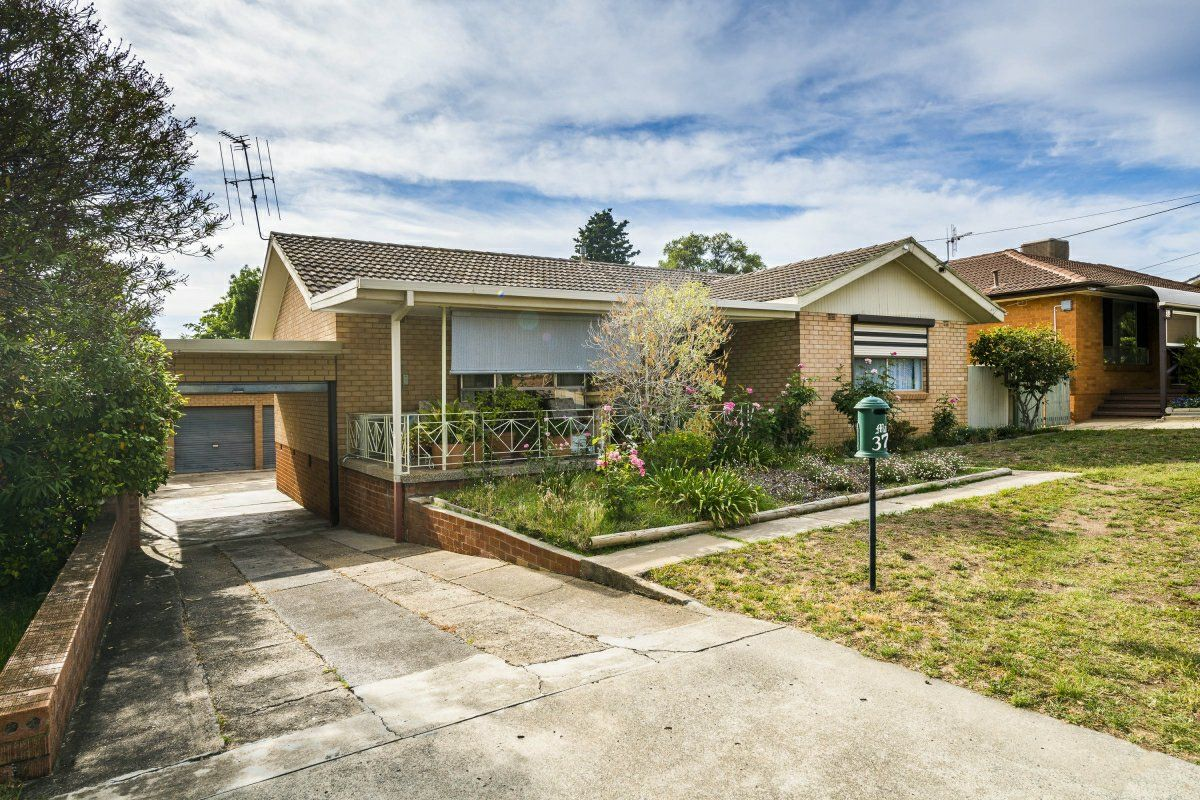 37 Christopher Crescent, Karabar NSW 2620, Image 0