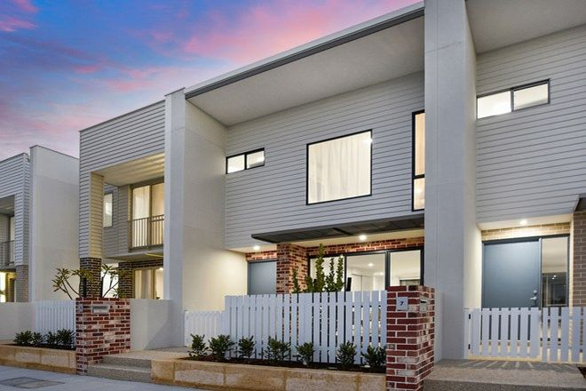 Picture of 7 Turquoise Boulevard, TREEBY WA 6164