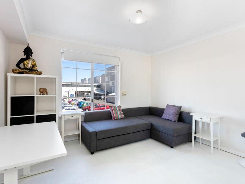2/20 Pendal Lane, Perth WA 6000, Image 2