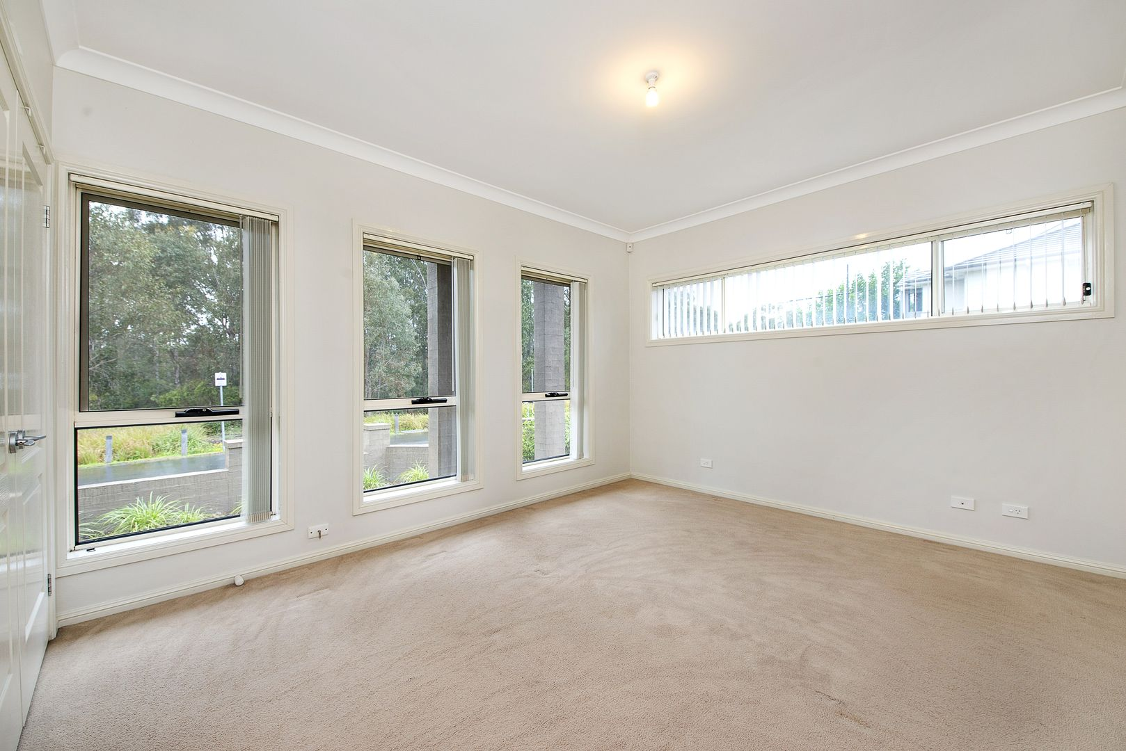 38 Hidcote Rd, Campbelltown NSW 2560, Image 2