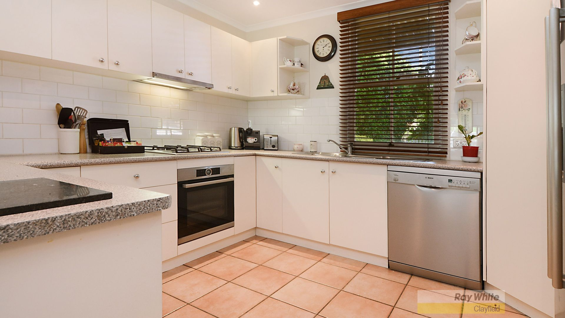 71 Barlow Street, Clayfield QLD 4011, Image 2