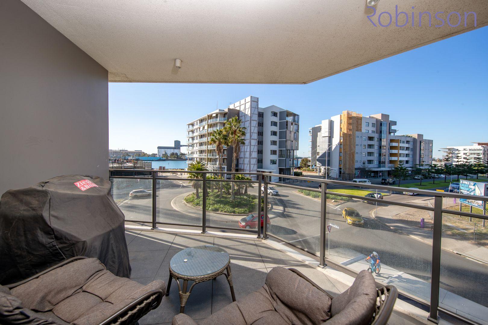 201/10 Worth Place, Newcastle NSW 2300, Image 1