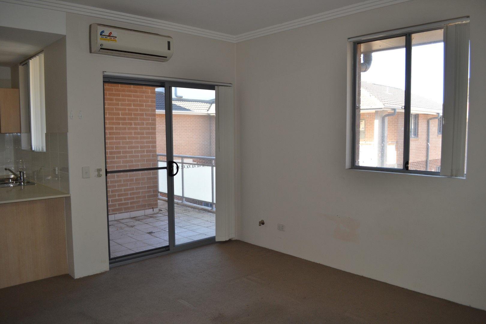 30/7-11 Putland Street, St Marys NSW 2760, Image 2