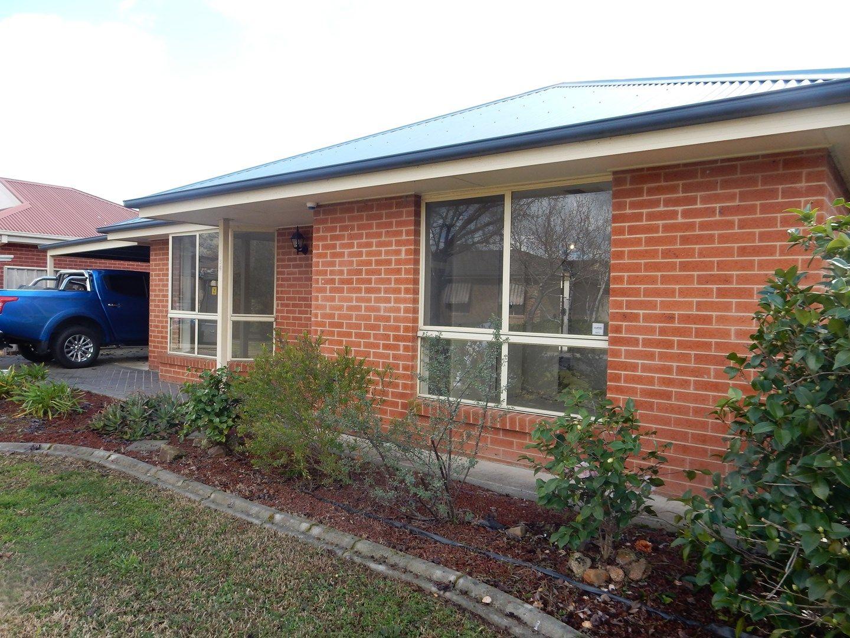 34 Ambrose Crescent, West Wodonga VIC 3690, Image 2