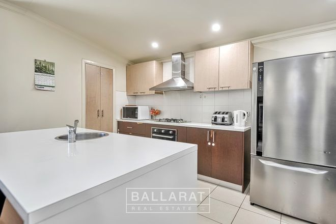 Picture of 208 Doveton  Crescent, SOLDIERS HILL VIC 3350