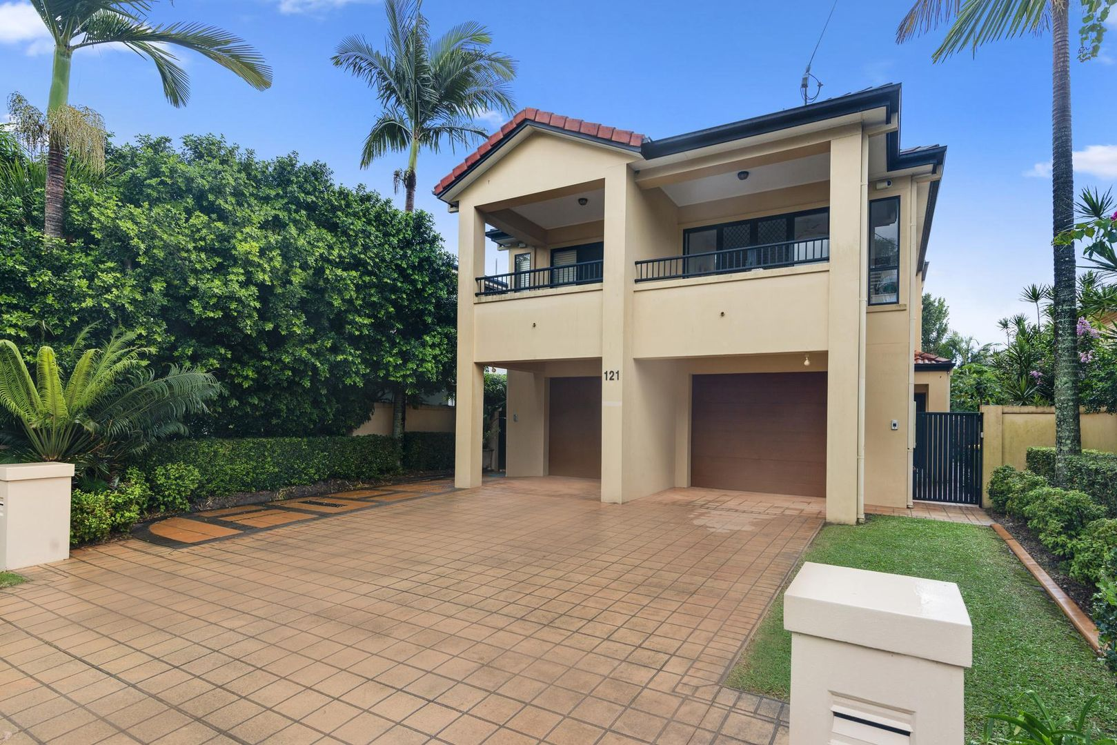 2/121 Laguna Avenue, Palm Beach QLD 4221, Image 2
