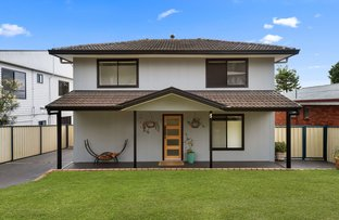 Picture of 25 Roger Crescent, Berkeley Vale NSW 2261