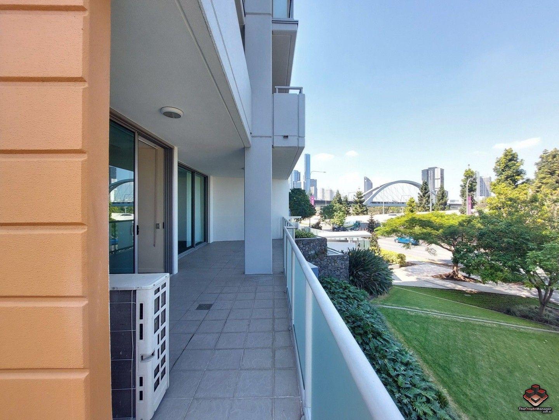 3 bedrooms Apartment / Unit / Flat in Vue300/92-100 Quay Street BRISBANE CITY QLD, 4000
