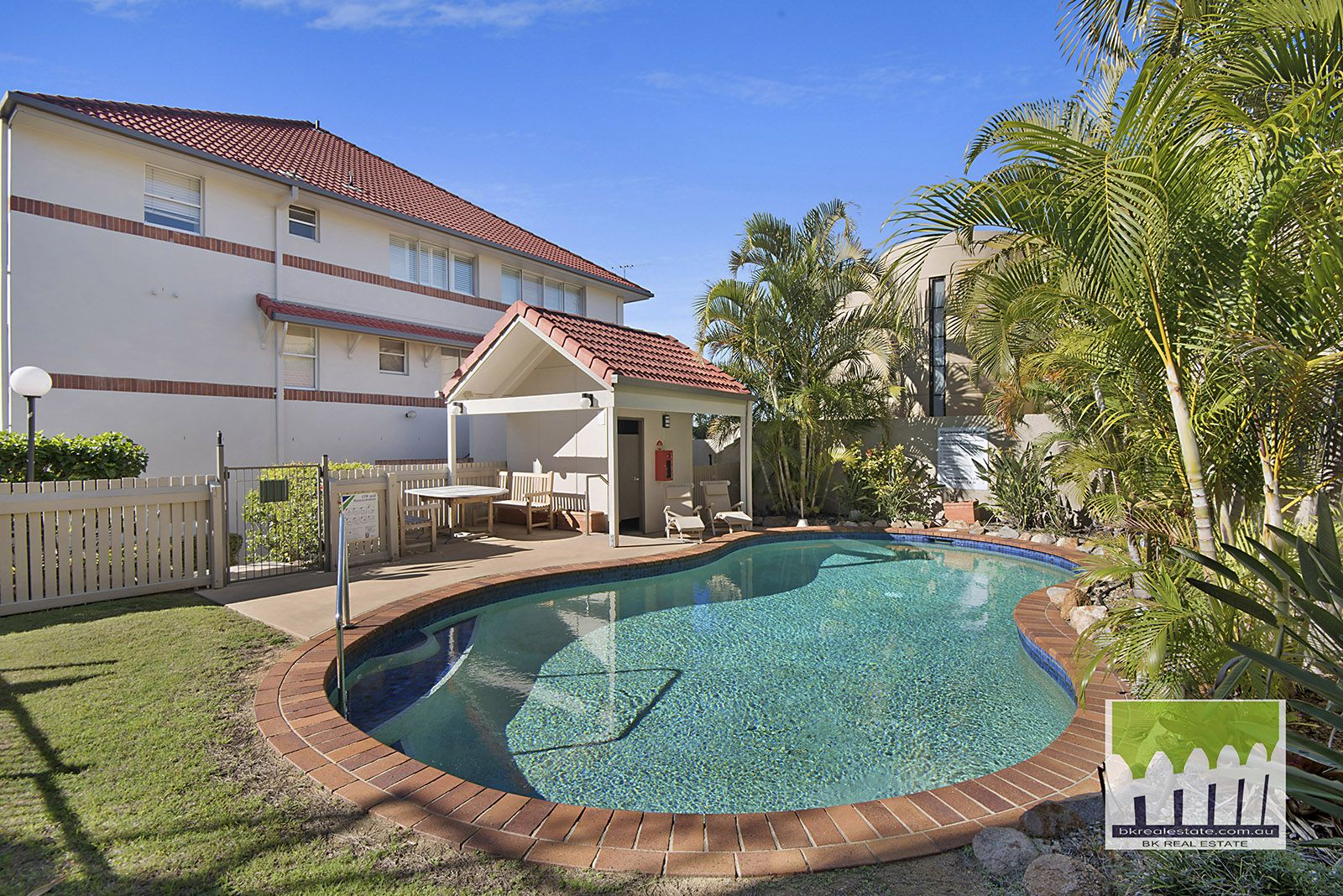 4/17 Whyenbah St, Hamilton QLD 4007, Image 0