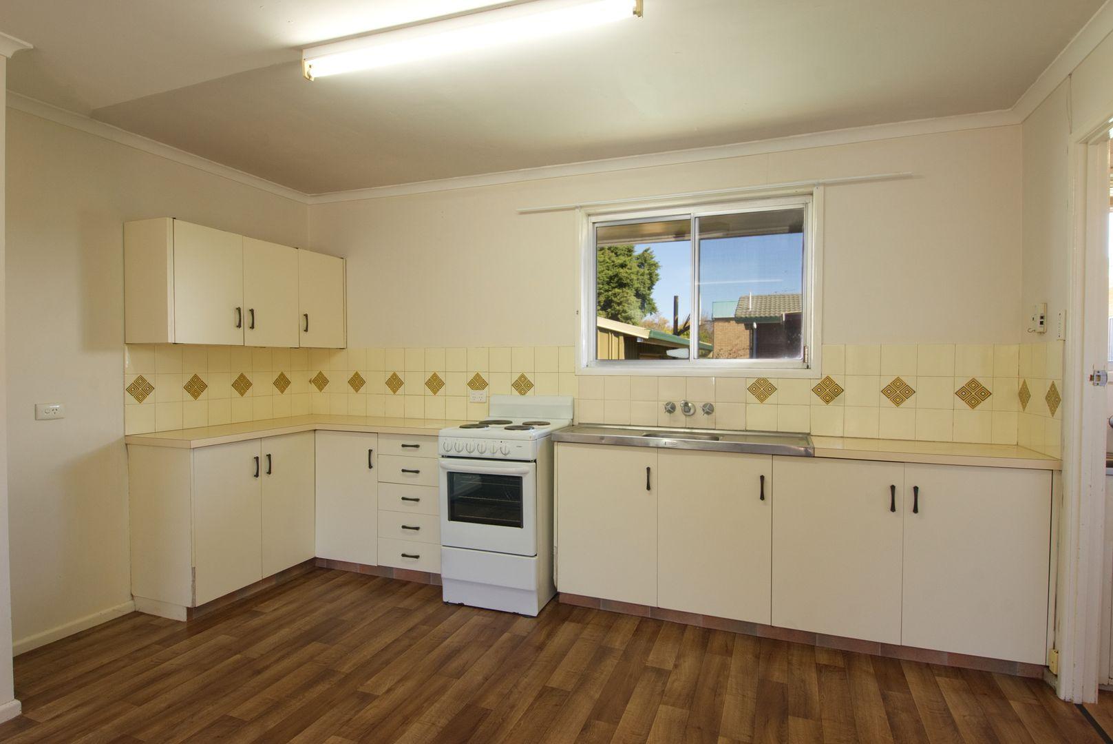 2/54 Hoey Street, Kearneys Spring QLD 4350, Image 1