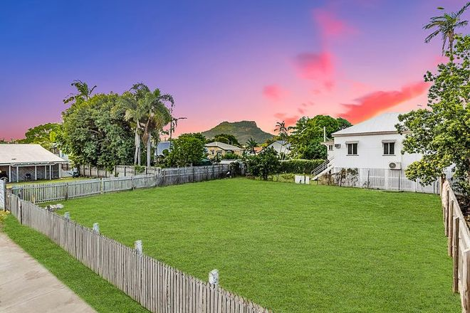 Picture of 15 Eighth Street, RAILWAY ESTATE QLD 4810