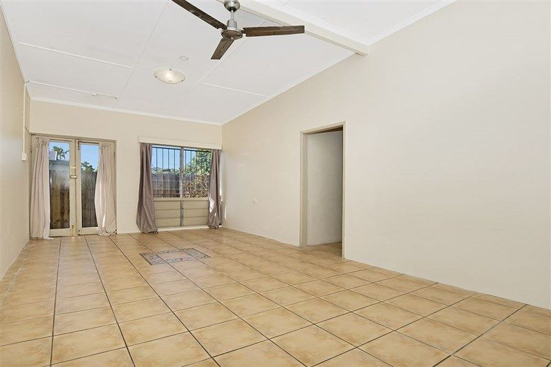 3/214 Kings Road, Mysterton QLD 4812, Image 2