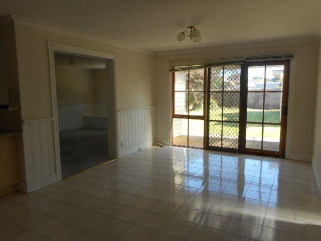 14 Tonkin Avenue, Coburg VIC 3058, Image 2