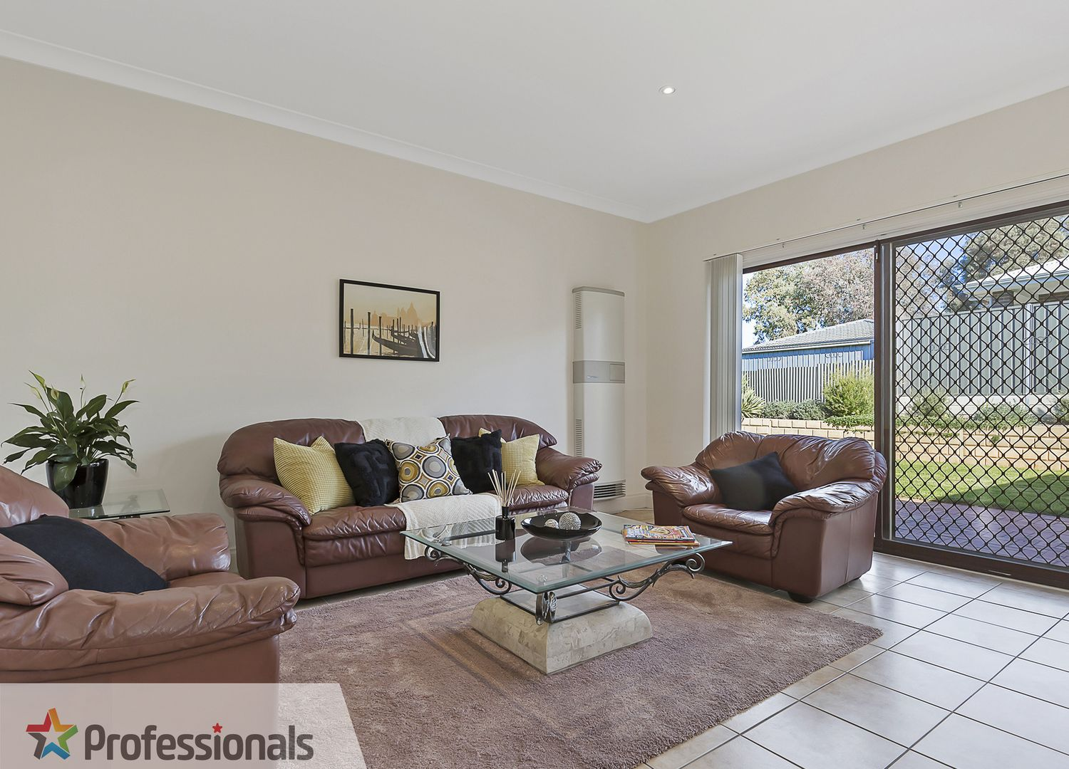 24 Cockatoo Street, Modbury Heights SA 5092, Image 2