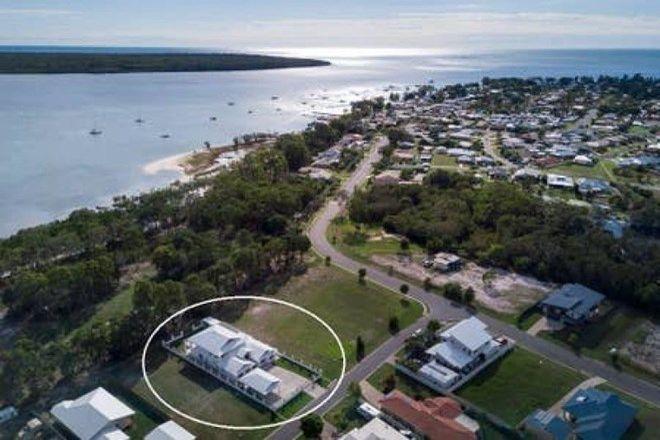 Picture of 66 Traviston Way, BURRUM HEADS QLD 4659