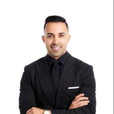 Zed Nasheet, Sales representative