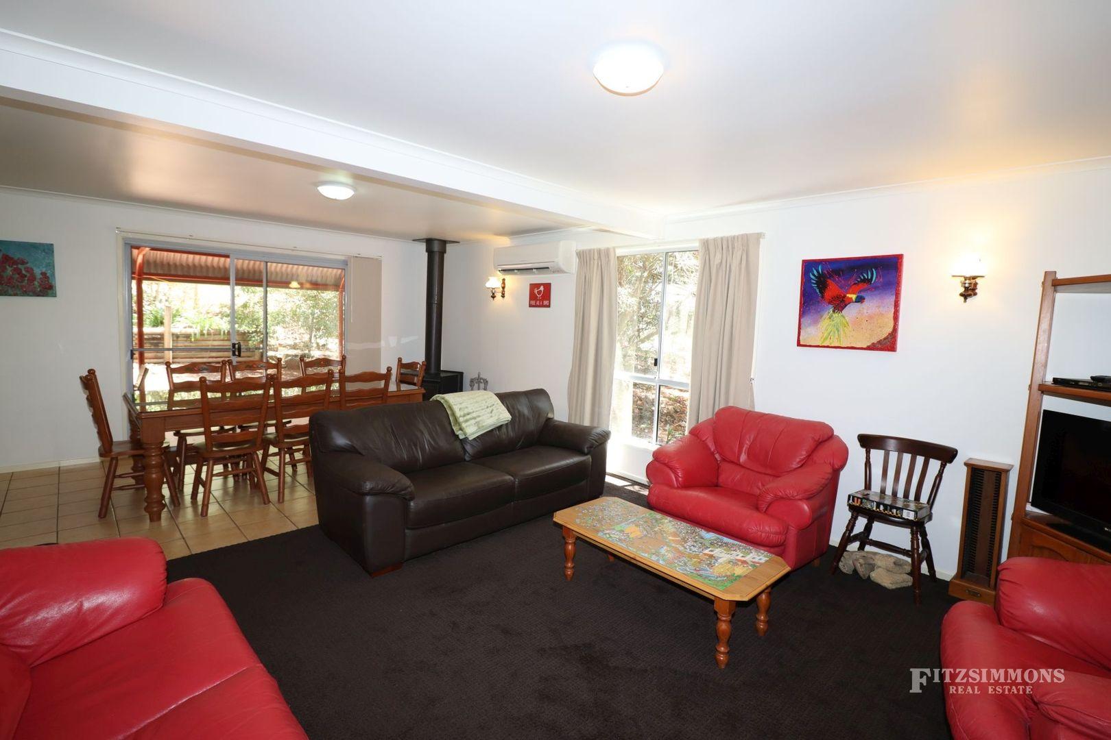 4 Bidwilli Crescent, Bunya Mountains QLD 4405, Image 2