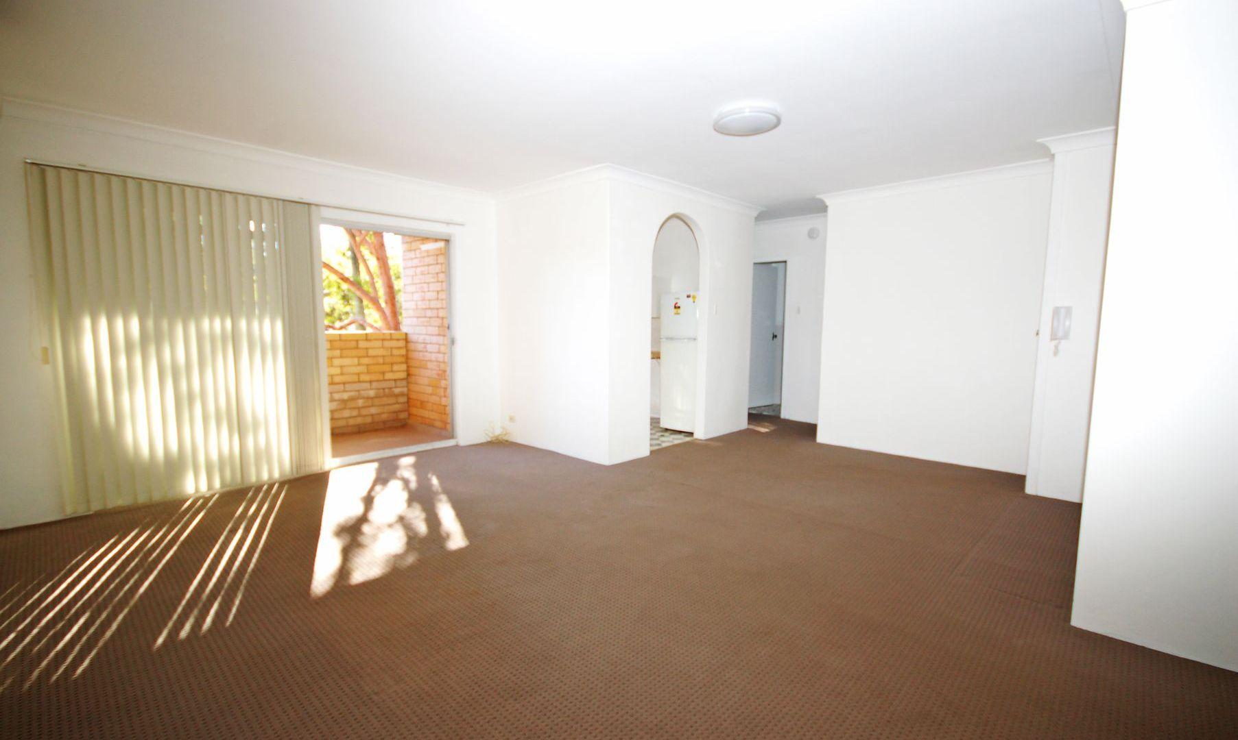 3/2-4 Curtis Street, Caringbah NSW 2229, Image 2