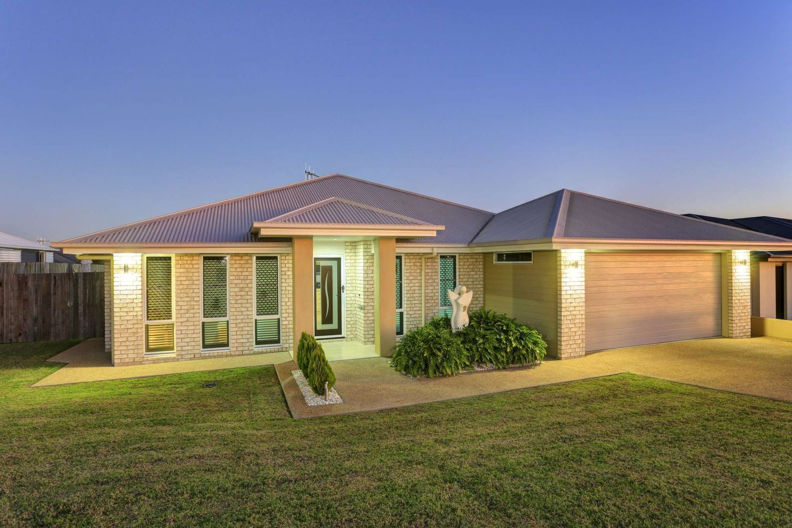 50 Sienna Boulevard, Ashfield QLD 4670, Image 0