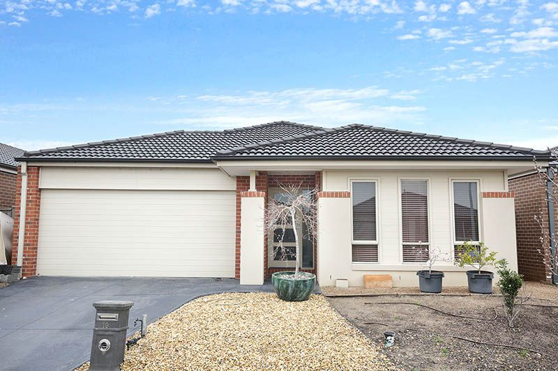 19 Warunda Parade, Point Cook VIC 3030, Image 0