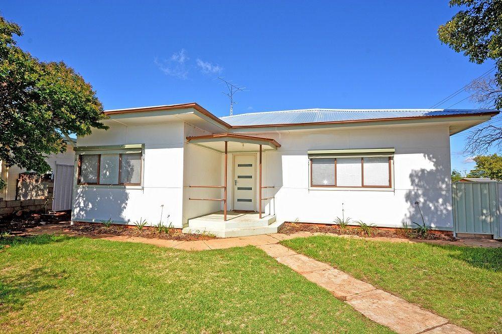 39 Waratah Street, Leeton NSW 2705, Image 0