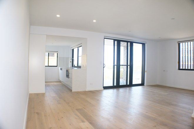 Picture of 104/44 Bay Tce, WYNNUM QLD 4178