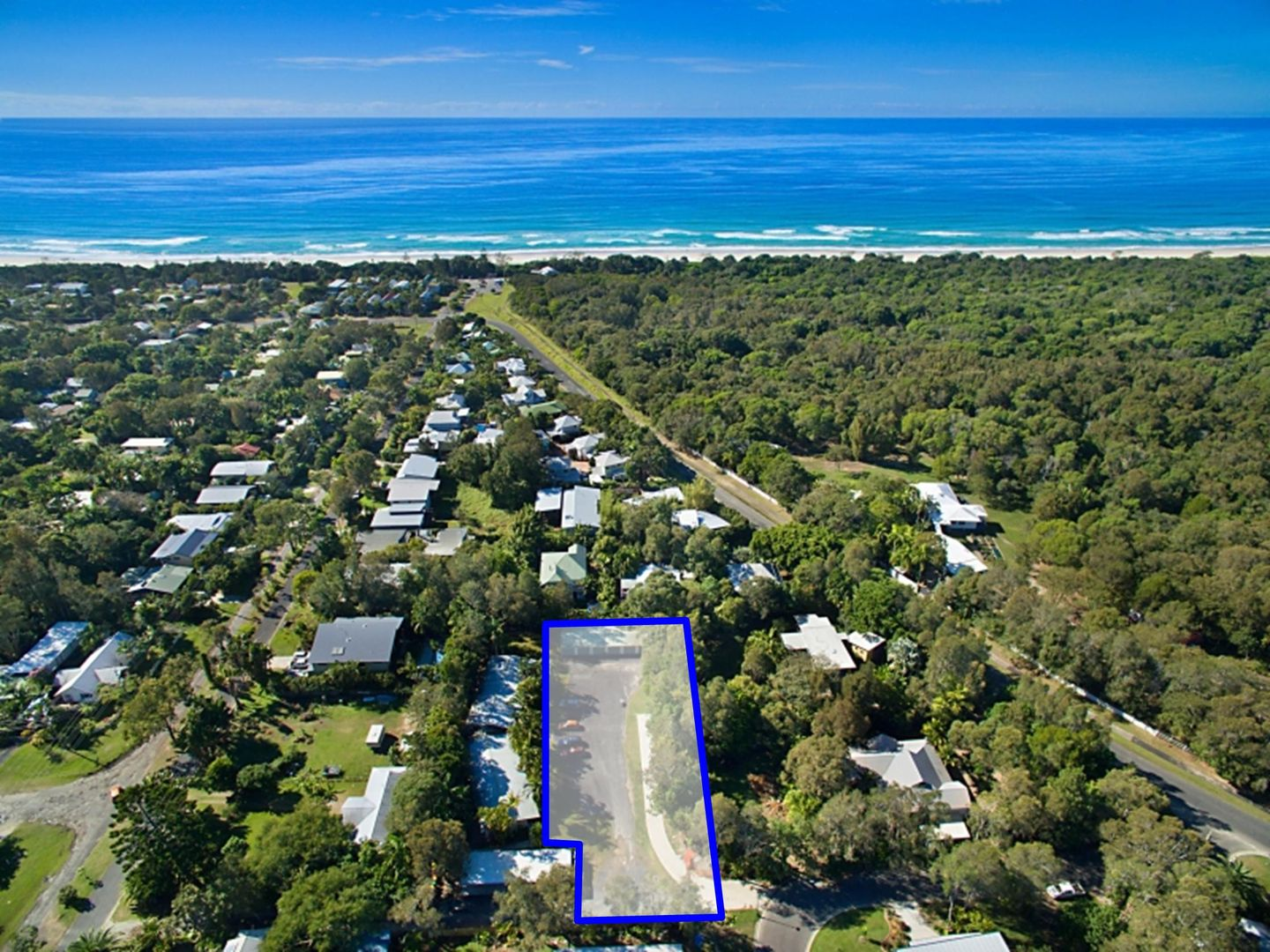Townhouse 6/Lot 11 Canowindra Court, South Golden Beach NSW 2483, Image 1