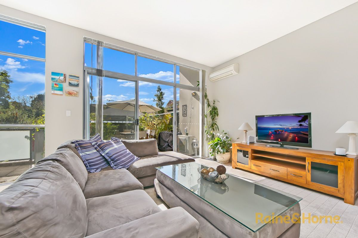 1/5 Sherwin Avenue, Castle Hill NSW 2154, Image 2