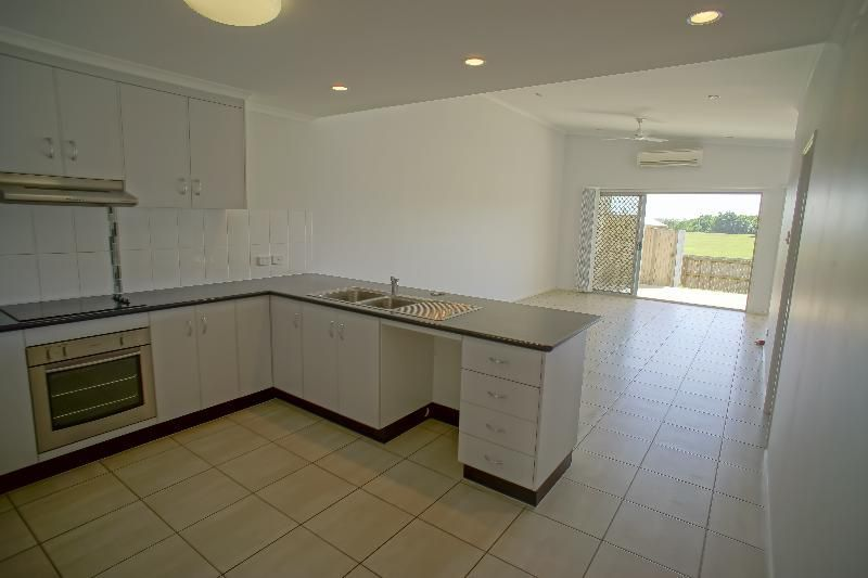 2/11 Collins Court, Eimeo QLD 4740, Image 2