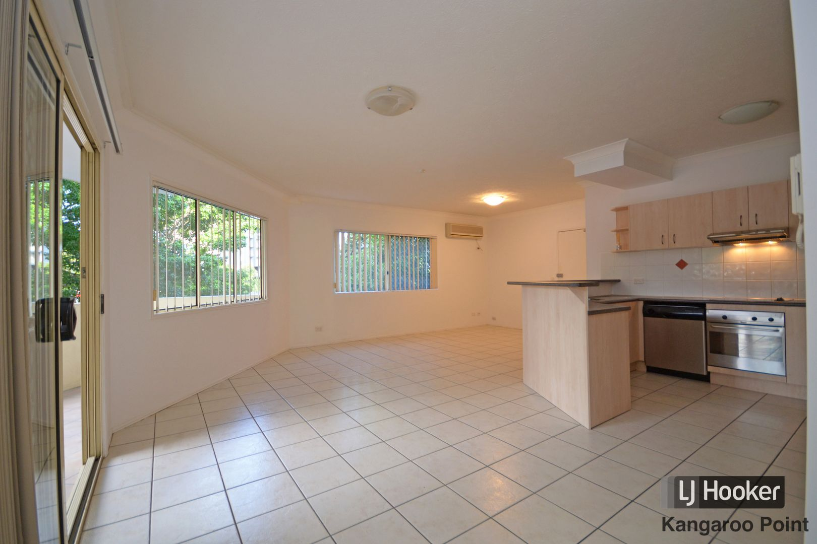 4/15 Rawlins Street, Kangaroo Point QLD 4169, Image 1
