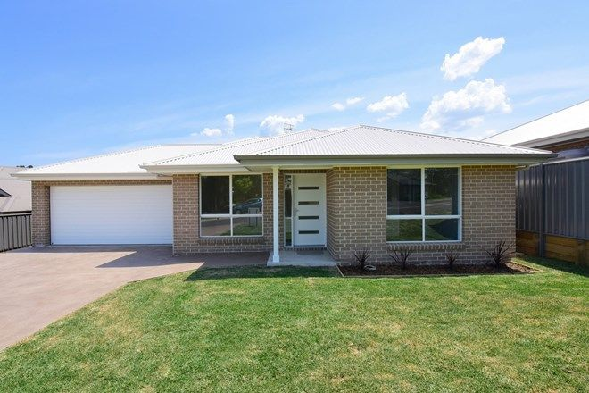 Picture of 51 Hewitt Avenue, ST GEORGES BASIN NSW 2540