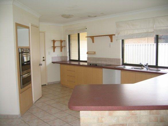 4 McCann Close, Abbey WA 6280, Image 1