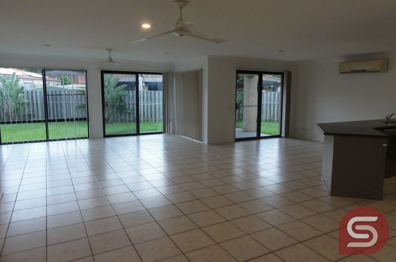 4 Marilyn Pl, Morayfield QLD 4506, Image 0