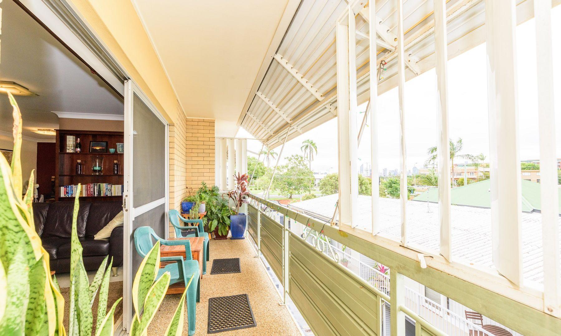5/111 Kirkland Avenue, Coorparoo QLD 4151, Image 2