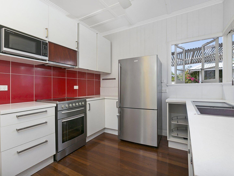 30 Beatrice Street, Hawthorne QLD 4171, Image 2
