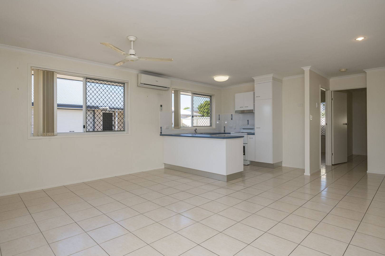 2/6 Water Street, Bundaberg South QLD 4670, Image 1