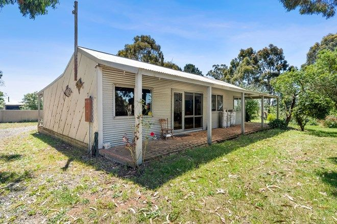 Picture of 462 James Lane, TRENTHAM EAST VIC 3458