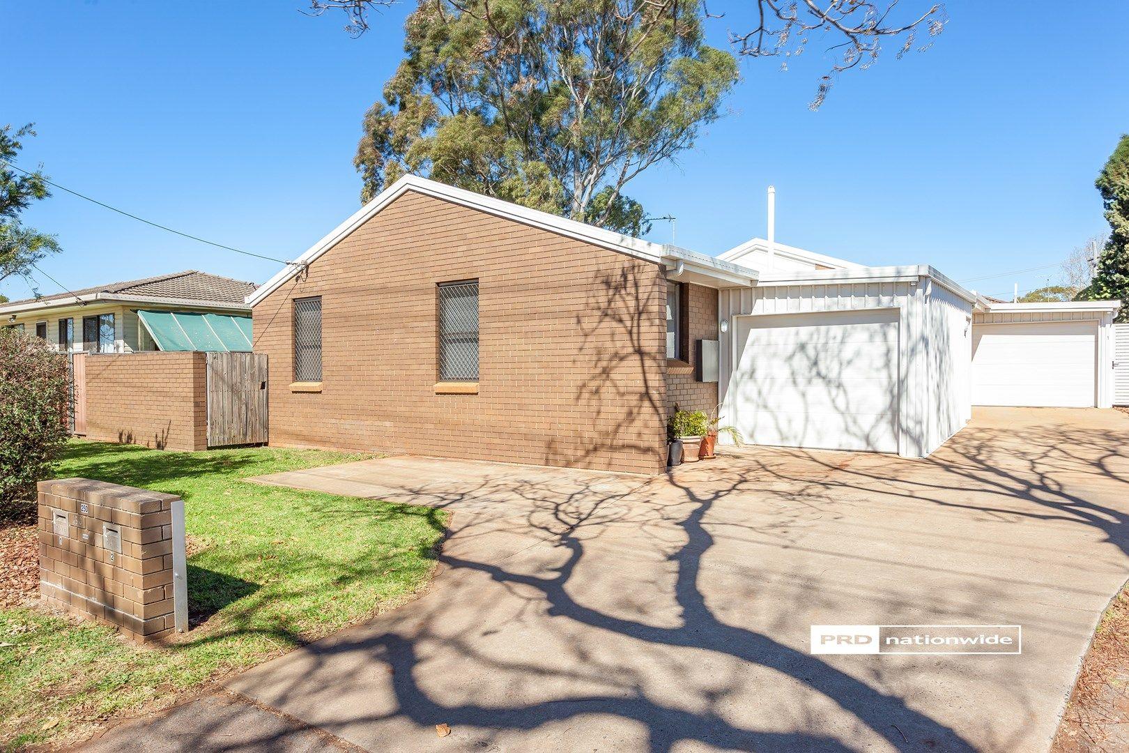 250 Taylor Street, Newtown QLD 4350, Image 2