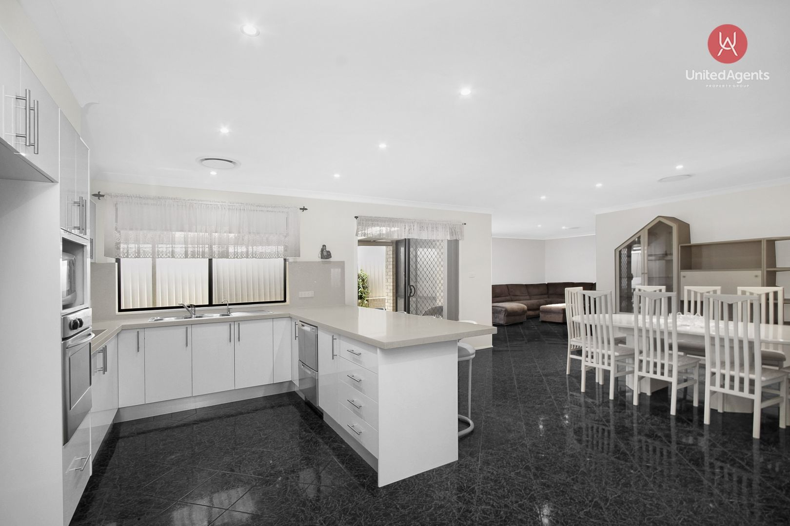 18 St Marys Street, West Hoxton NSW 2171, Image 2