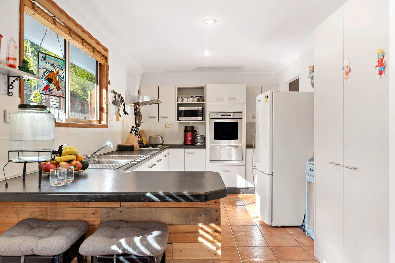 5 Tamara Road, Erina NSW 2250, Image 2