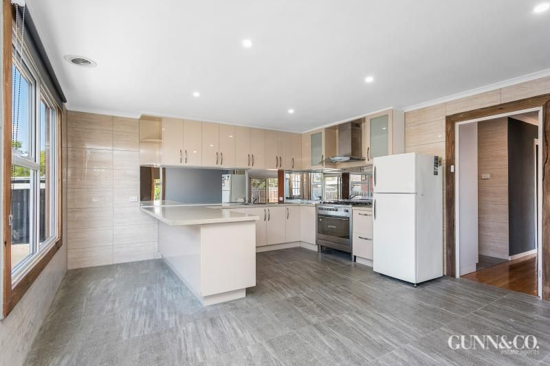 32 Whittaker Avenue, Laverton VIC 3028, Image 2