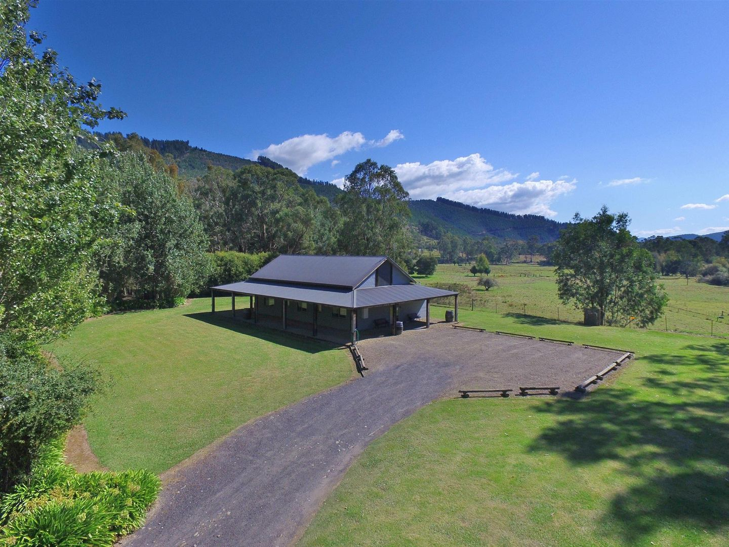 7369 Great Alpine Road, Bright VIC 3741, Image 2