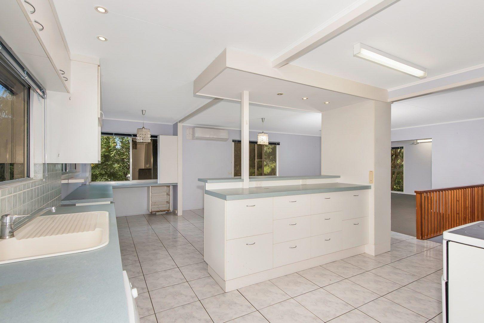 15 Aloomba Crescent, Cranbrook QLD 4814, Image 2