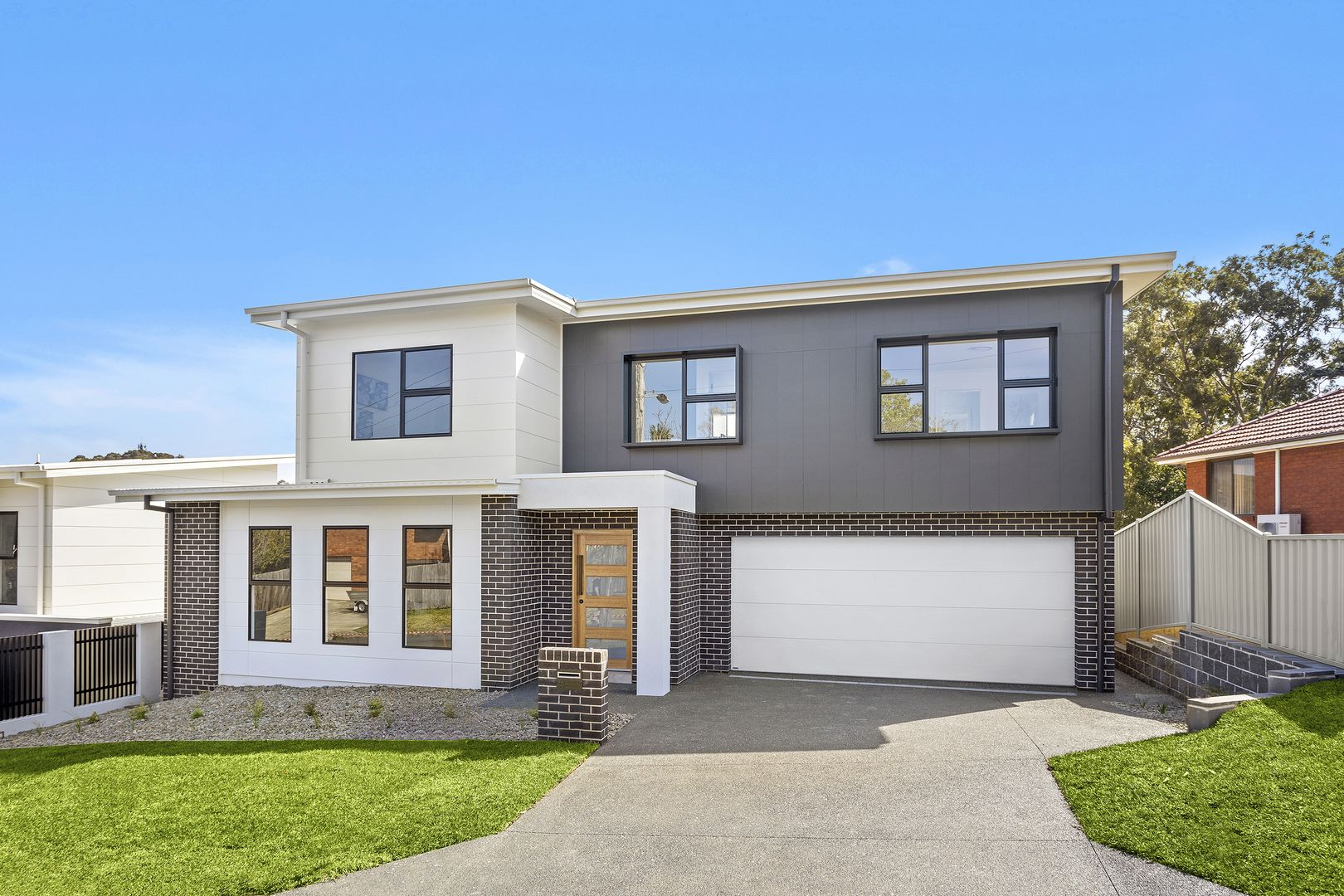 1A Robwald  Avenue, Coniston NSW 2500, Image 0