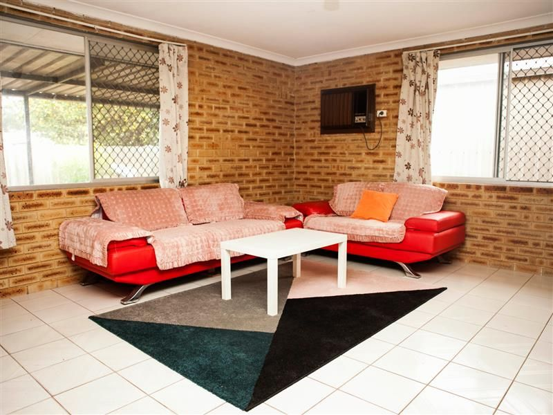 65 Partridge Way, Thornlie WA 6108, Image 2