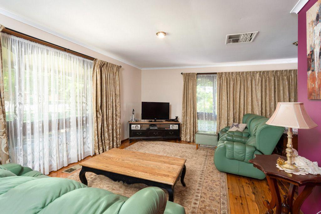 39 Waranga Avenue, Mount Austin NSW 2650, Image 2