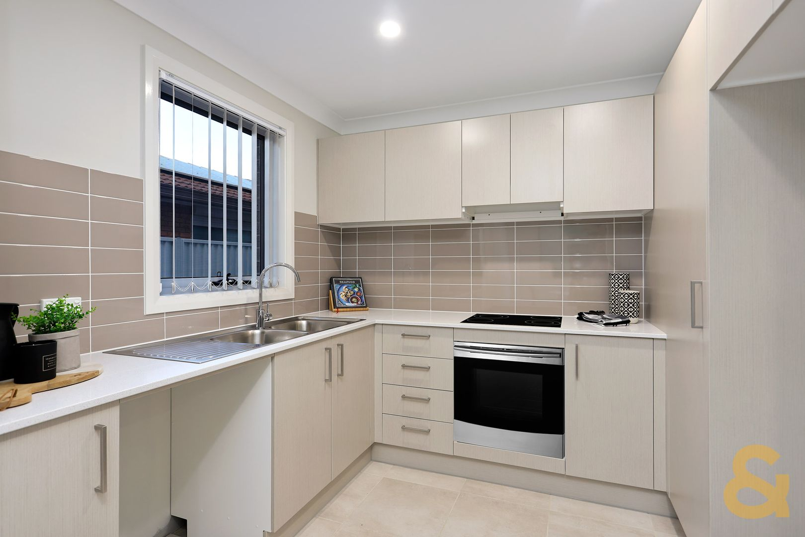 45 Canberra Street, Oxley Park NSW 2760, Image 2