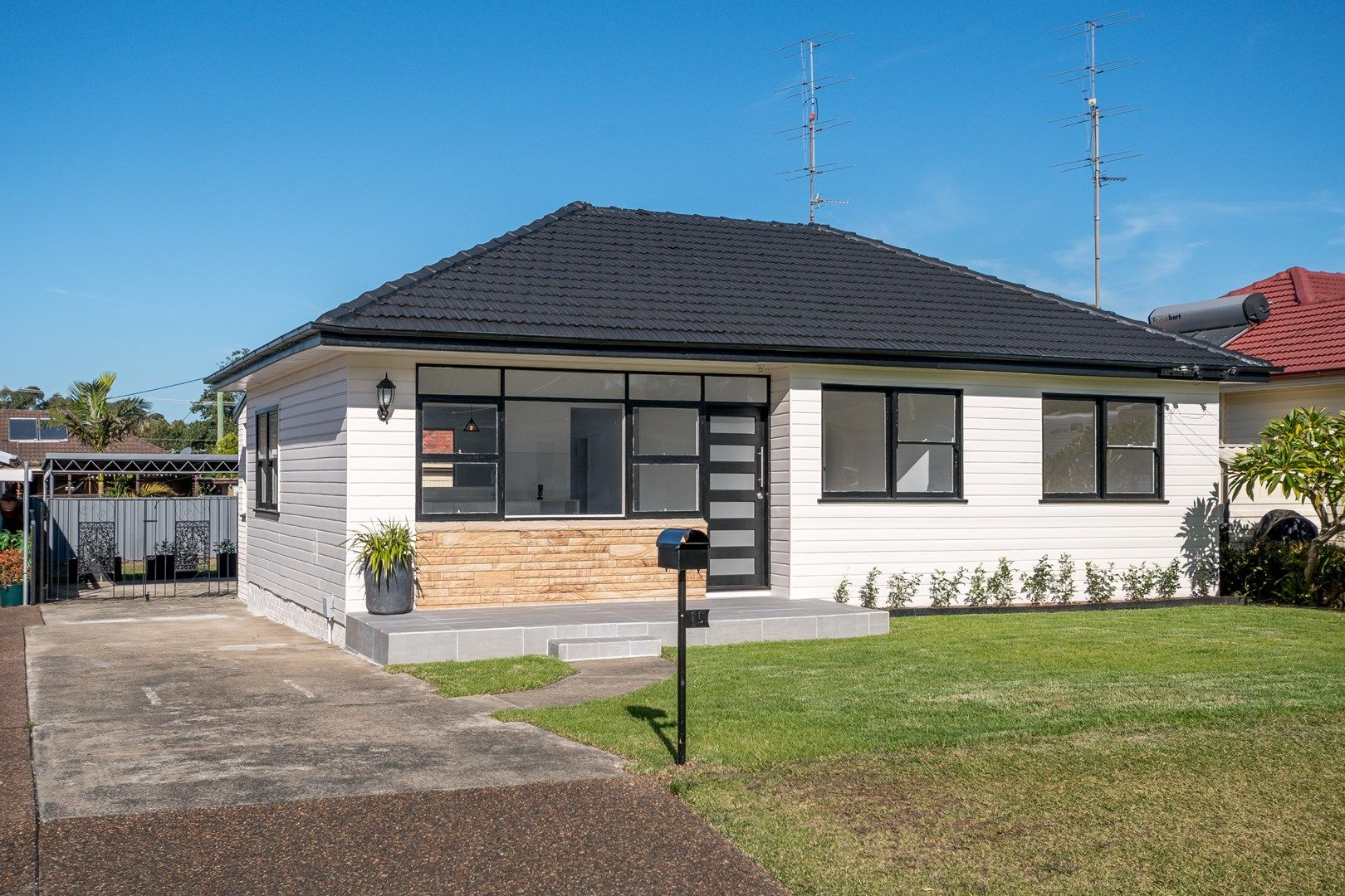 15 Oxford Road, Dapto NSW 2530, Image 0