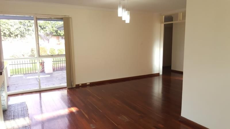 59 Berehaven Avenue, Thornlie WA 6108, Image 2